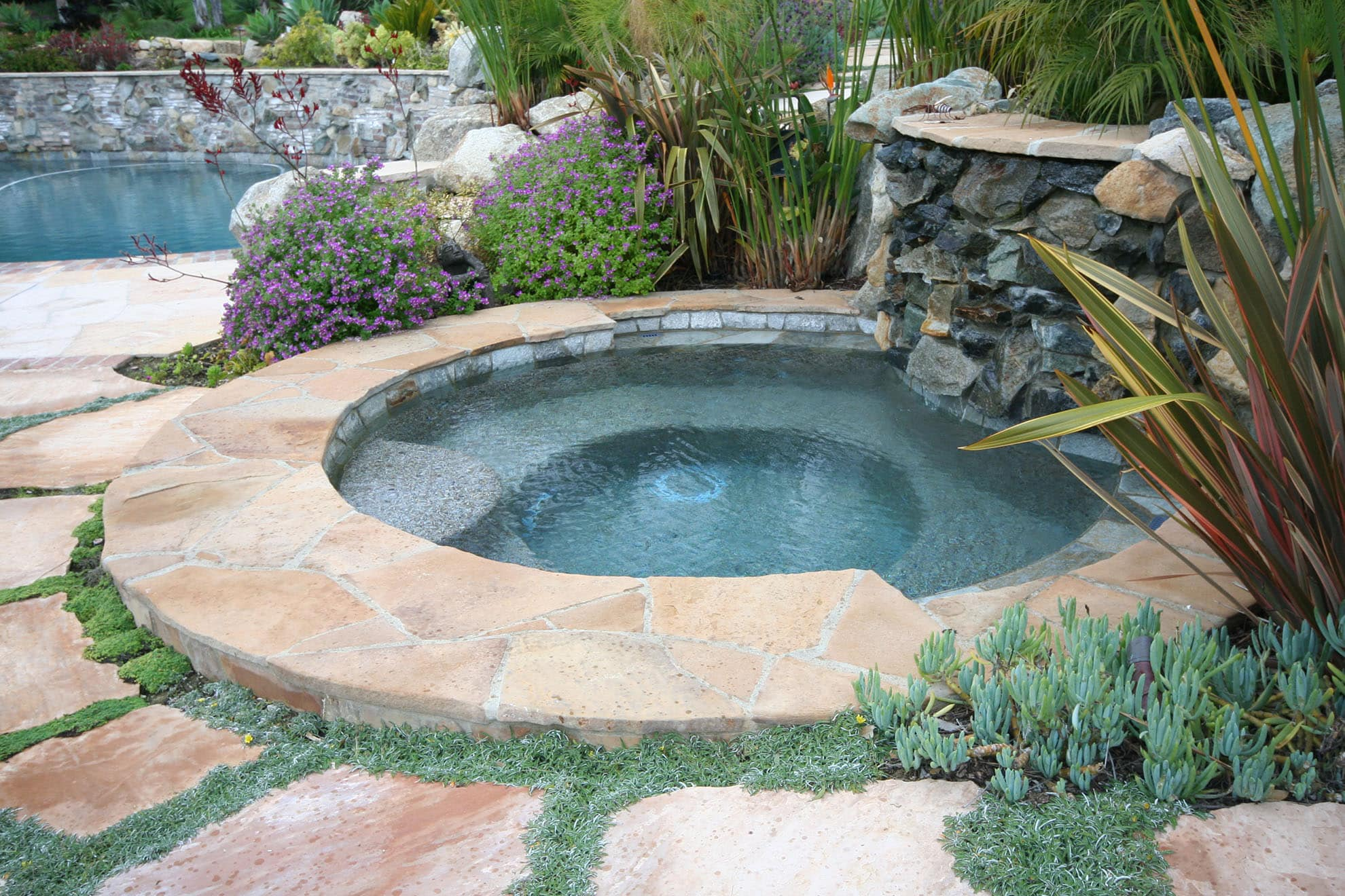 WATER-SPA-STONE