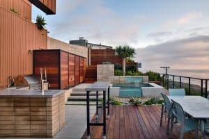 Sunset Cliffs outdoor kitchen, spa, and deck