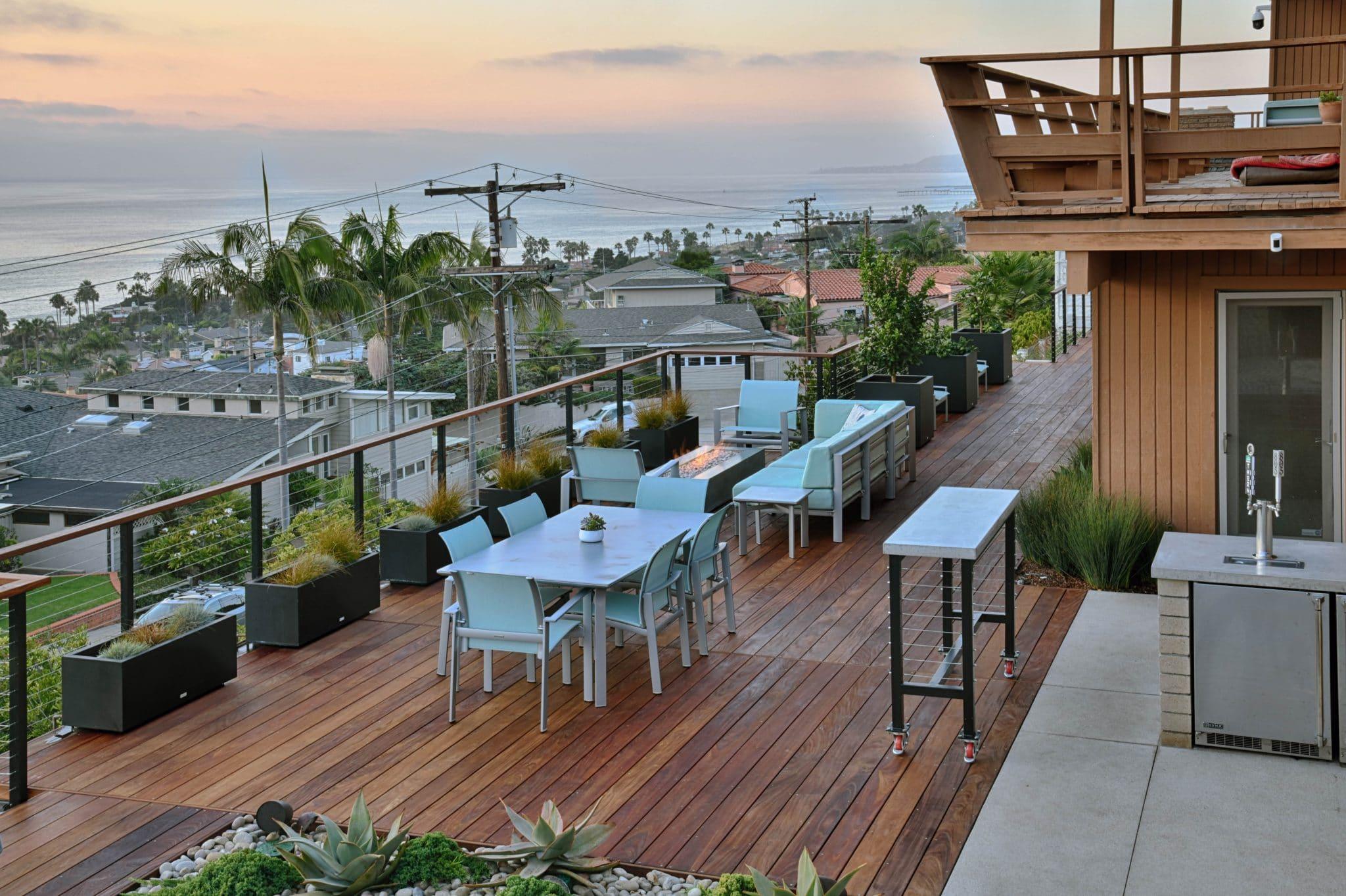 Rooftop deck in Sunset Cliffs